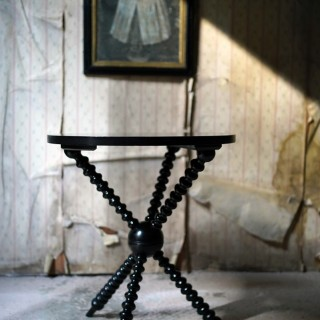 A Good Quality Late 19thC Ebonised Aesthetic Movement Ebonised Gypsy Table by Wylie & Lochhead