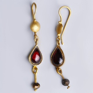 Ancient Roman Earrings with Garnet and Pearls