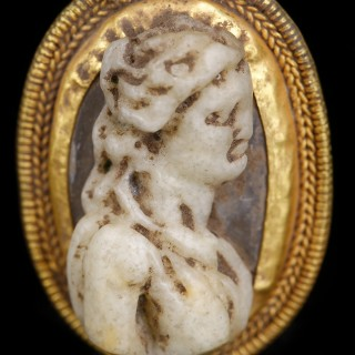 Roman Gold Cameo Pendant with Goddess