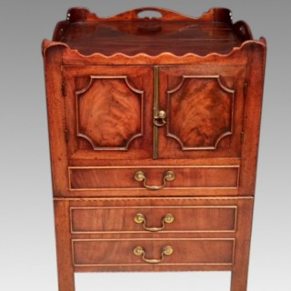 Geo III mahogany tray top bedside table.