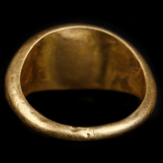 Roman Gold Ring with Intaglio of Laureate