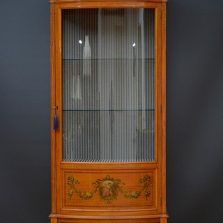 Exquisite Late Victorian Satinwood Display Cabinet