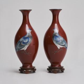An exquisite pair of Japanese Cloisonne vases (Gonda Hirosuke)