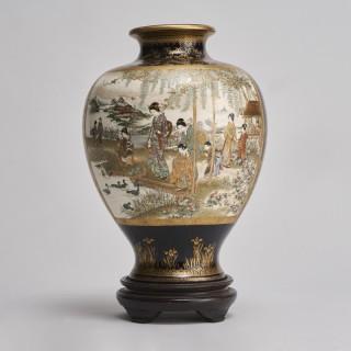 A fantastic, large Satsuma vase (Meiji-era Japan) signed Ryukozan
