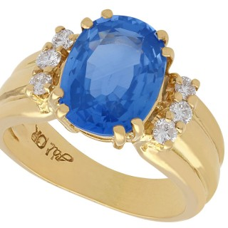 4.80 ct Sapphire and 0.15 ct Diamond, 18ct Yellow Gold Dress Ring - Vintage Circa 1990