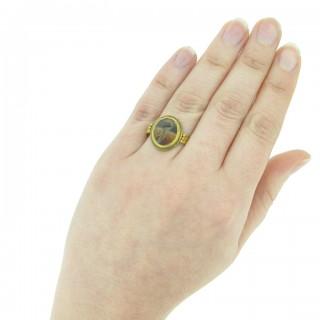 Ancient Roman bird intaglio ring, circa 4th century AD.