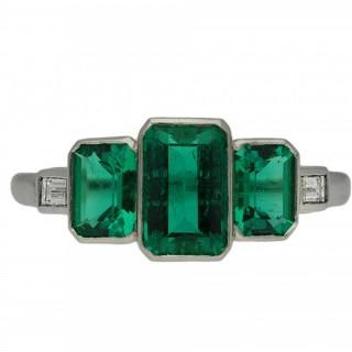 Art Deco Colombian emerald three stone ring, circa 1920.