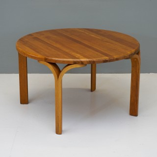 Circular Coffee Table in Pine