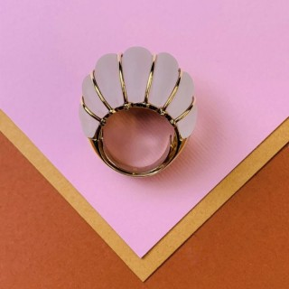 Yellow gold and rock crystal ring