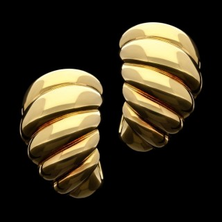 Stylish Pair of 18ct Gold Twisted Scroll Ear Clips by Van Cleef & Arpels