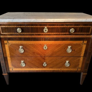 AN 18TH CENTURY PARQUETRY COMMODE