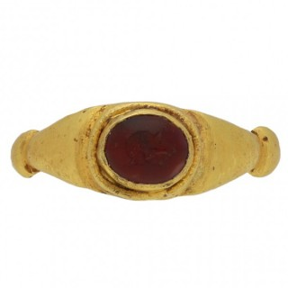 Roman intaglio ring with helmeted bust portrait, circa 2nd-4th century AD.