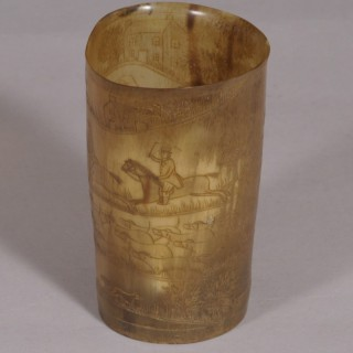 S/4500 Antique Early 19th Century Blond Horn Beaker Engraved with a Foxhunting Scene