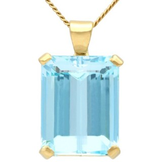 18.93 ct Aquamarine and 18 ct Yellow Gold Pendant - Vintage and Contemporary