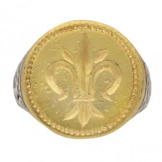 Post Medieval gold fleur-de-lis signet ring, circa 17th century AD.