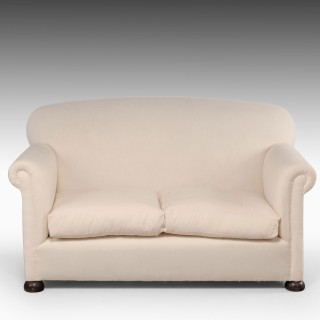 An Attractive Early 20th Century Two Seater Sofa