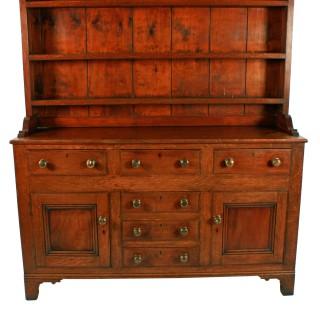 Georgian Oak Dresser & Rack