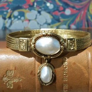 Antique French gold and pearl bracelet c.1830's