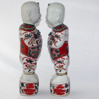 Chinese 17th Century Wucai pair of Figures