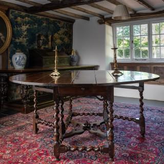 Charles II Yew wood gate leg table