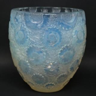 Rene Lalique Opalescent Glass 'Paquerettes' Daisies Vase