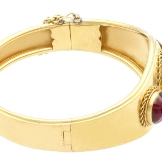 23.59 ct Garnet and 0.32 ct Diamond, 20 ct Yellow Gold Bangle - Antique Circa 1890