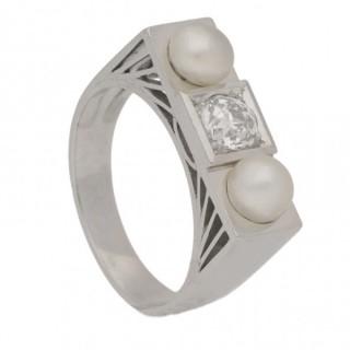 Art Deco natural pearl and diamond ring, French, circa 1925.