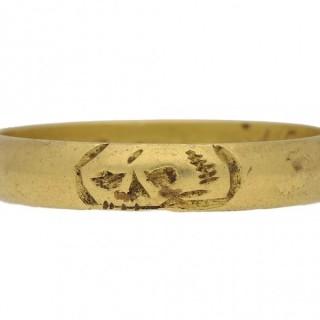 Post Medieval gold skull ring, circa 1676.