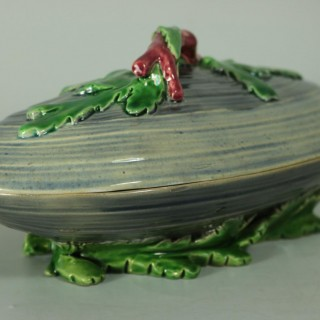 Minton Majolica Mussel Dish and Cover