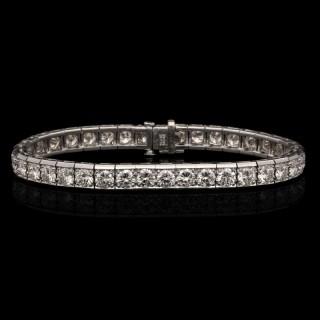 Cartier - Diamond & Platinum Line Bracelet est.10cts circa 1950's