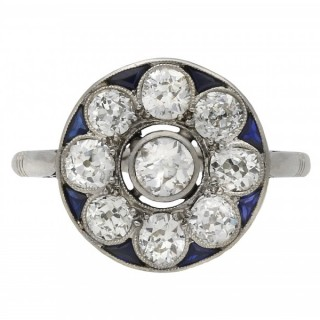 Belle Époque diamond and sapphire cluster ring, French, circa 1915.