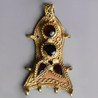 Byzantine Gold Pendant with Garnet