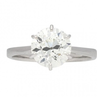 Vintage solitaire diamond ring, French, circa 1950.