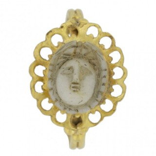 Ancient Roman gold ring with cameo, circa 1st-2nd century AD.
