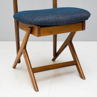 Italian Mid Century Valet Chair in the Manner of Ico Parisi and Luisa Fratelli Ruggitti.