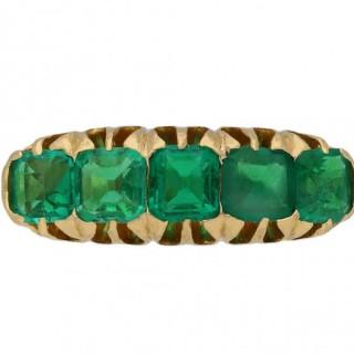 Edwardian emerald five stone ring, English, circa 1904.