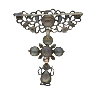 Georgian diamond brooch in silver, circa 1750.
