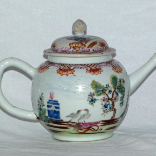 Chinese 18th Century Famille Rose Tea Pot Painted with The Valentine Pattern