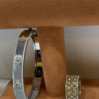 Buccellati bangl and band ring