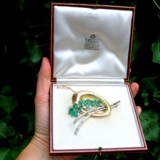 6.07 ct Emerald and 4.05 ct Diamond, 18 ct Yellow Gold and Platinum Brooch by Garrards & Co Ltd - Antique Circa 1935