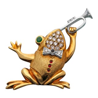 Trumpeter Musical Frog Diamond Emerald & Gold Brooche by Wolf, 1990