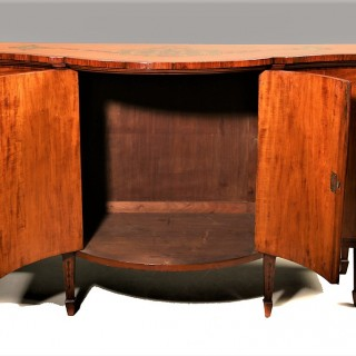 A Fine Quality Late 19th Century Serpentine Satinwood Side Cabinet