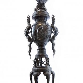 A MONUMENTAL JAPANESE BRONZE INCENSE BURNER, MEIJI PERIOD, LATE 19TH CENTURY