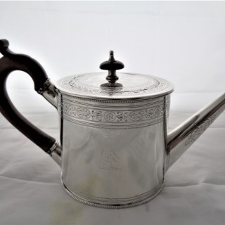 Quality crested & bright cut engraved George III silver drum shaped teapot London 1788 Robert Hennell