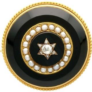 0.41ct Diamond, Pearl and Black Onyx, 18ct Yellow Gold Brooch - Circa 1890