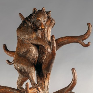 A Fine 19th Century Brienz Black Forest Hand-Carved Bear Hall Stand