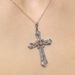 1.92ct Diamond and Platinum Cross Pendant - Antique Circa 1920