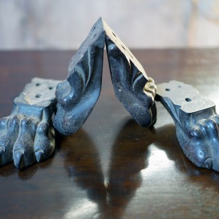 An Early 19thC Set of Four Carved Lions Hairy Paw Feet