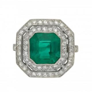 Art Deco Colombian emerald and diamond cluster ring, circa 1920.