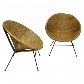 A PAIR OF UNUSUAL FRENCH MID-CENTURY RATTAN CHAIRS
